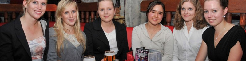 Young Friends of Bayreuth in the Wagner Lounge